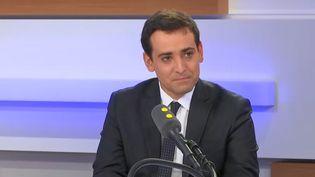 Stéphane Séjourné, président de la délégation française du groupe Renew Europeau Parlement européen, le 17 octobre 2019, sur le plateau de franceinfo. (FRANCEINFO)