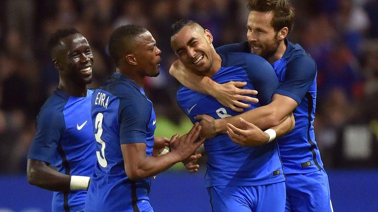 L'équipe de France de football, le 30 mai 2016 à Nantes (Loire-Atlantique). (LOIC VENANCE / AFP)