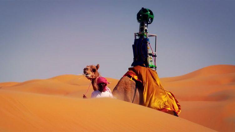(L'appareil photo de Google Street View dans le désert © Capture écran Google sur Youtube)