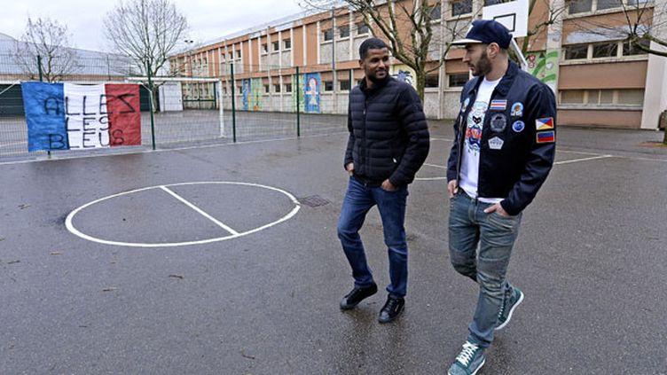 Karim Benzema accompagné de son ami d'enfance Karim Zenati en 2015