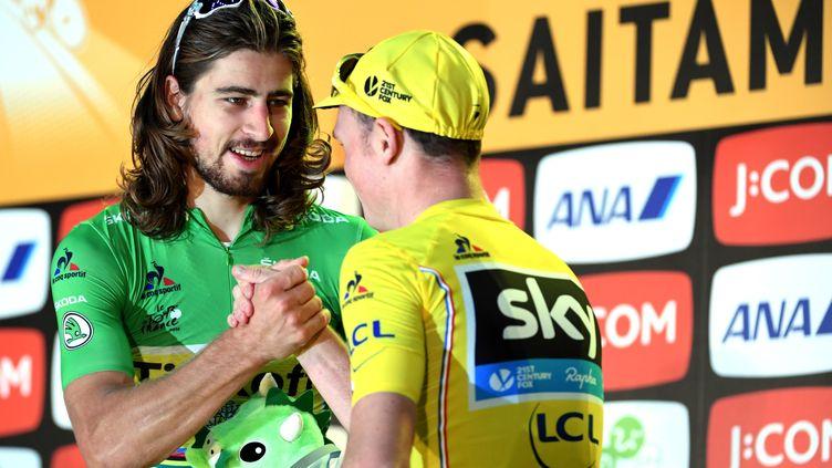 Peter Sagan félicité par Chris Froome, troisième de l'épreuve (TOSHIFUMI KITAMURA / AFP)