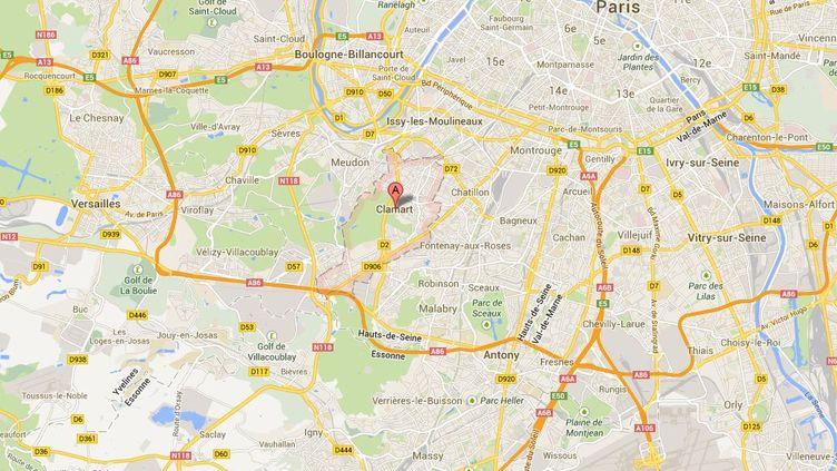 Le conducteur de la voiture prise pour cible a perdu le contrôle de son véhicule, le 1er septembre 2013 àClamart (Hauts-de-Seine). ( GOOGLE MAPS / FRANCETV INFO )