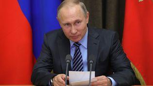 Vladimir Poutine, le 18 mai 2017, à Sotchi (Russie). (MICHAEL KLIMENTYEV / AFP)