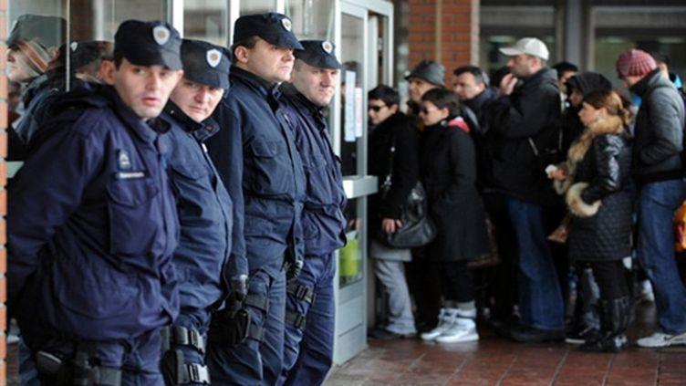 la Haute-cour de justice de Belgrade sous haute surveillance avant le verdict dans l'affaire Brice Taton (ANDREJ ISAKOVIC / AFP)