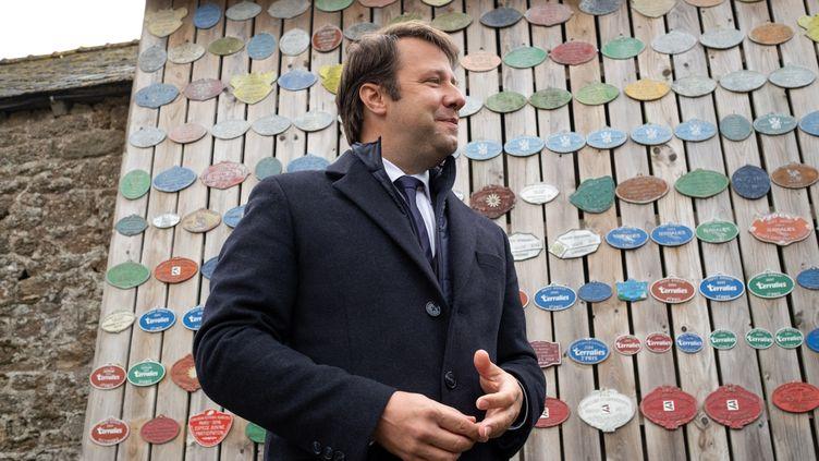 Le président socialiste de la région Bretagne Loïg Chesnais-Girard, le 14 mai 2021 à Trebry (Côtes-d'Armor). (MARTIN BERTRAND / HANS LUCAS / AFP)