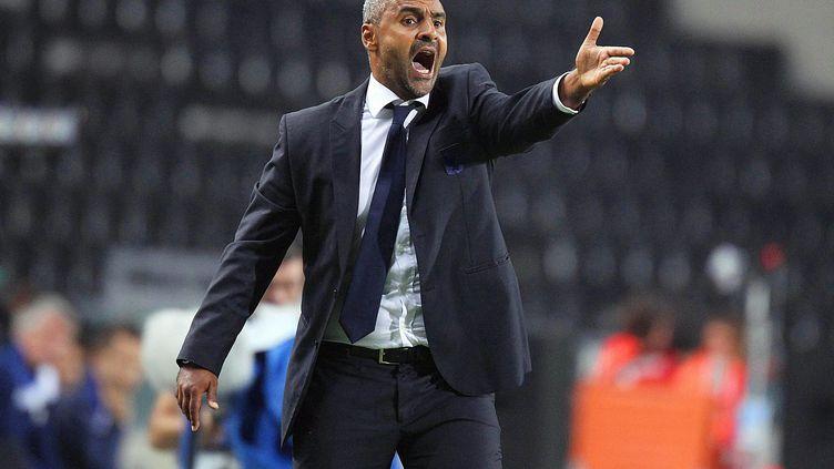 Fabio Liverani (Leyton Orient), ici le 24 septembre 2013, est l'un des rares entraîneurs noirs à la tête d'une équipe professionnelle en Grande-Bretagne (  MAXPPP)