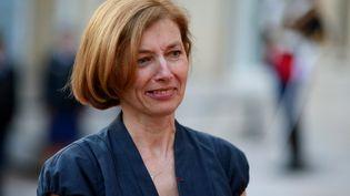 La ministre des Armées,Florence Parly, prend la place de Sylvie Goulard, lors d'une cérémonie à l'hôtel de Brienne, à Paris, le 21 juin 2017. (BENJAMIN CREMEL / AFP)