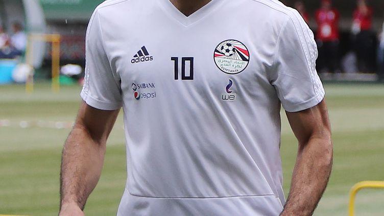 L'attaquant égyptien Mohamed Salah, lors d'un entraînement à Grozny (Tchétchénie, Russie), le 16 juin 2018. (KARIM JAAFAR / AFP)