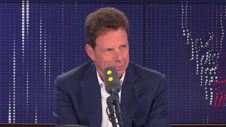 Geoffroy Roux de Bézieux, président du Medef,dans lesstudiosde franceinfo,le5 septembre2019. (FRANCEINFO / RADIOFRANCE)