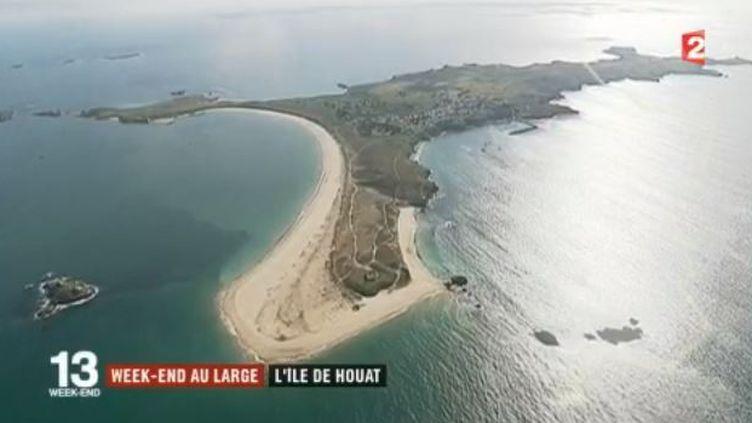 Les équipes de France 2 se sont rendues dans le golfe du Morbihan sur l'une des plus petites îles habitées de l'Ouest. (FRANCE 2)