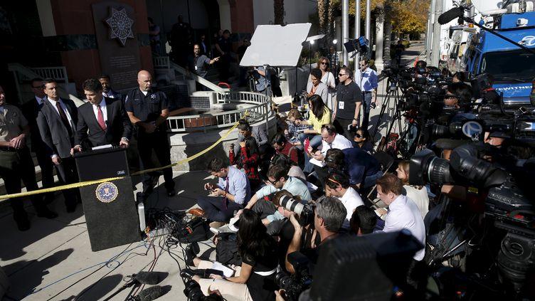 David Bowdich, le directeur adjoint du bureau du FBI à Los Angeles (Etats-Unis), donne un conférence de presse le 7 décembre 2015 sur l'enquête sur la tuerie de San Bernardino. (? PATRICK FALLON / REUTERS / X03007)