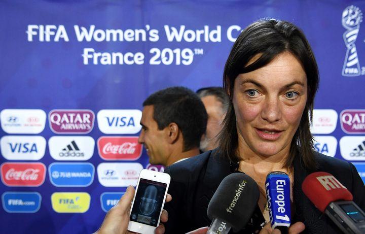 Corinne Diacre devant la presse à Paris, le 19 septembre 2017. (FRANCK FIFE / AFP)