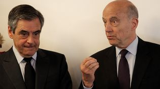 François Fillon et Alain Juppé ont visité ensemble les locaux de Deezer, à Paris, le 19 avril 2017. (CHRISTOPHE ENA / POOL)