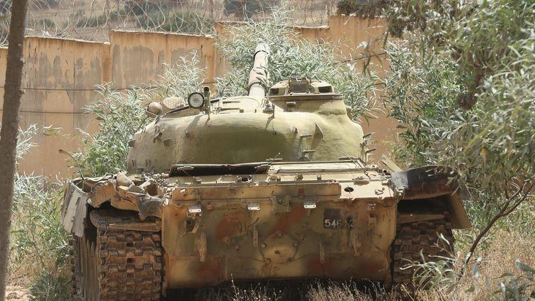 Un char d'assaut au sud de Tripoli, en Libye, le 28 juin 2019. (HAZEM TURKIA / ANADOLU AGENCY / AFP)