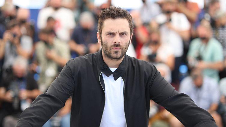 L'acteur Pio Marmaï au Festival de Cannes, 10 juillet 2021 (VALERY HACHE / AFP)