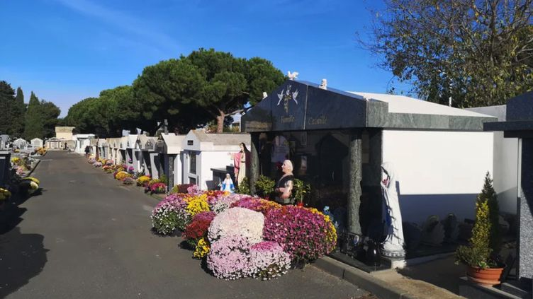 Illustration du cimetière d'Agde (Hérault) (STEPHANE POCHER / RADIO FRANCE)