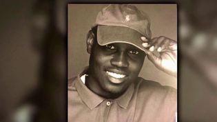 """En Géorgie (États-Unis), trois hommes blancs sont jugés pour le meurtre d'Ahmaud Arbery, un joggeur noir. À l'époque des faits, en février 2020, ce crime qualifié de """"haineux"""" avait scandalisé l'opinion publique. (CAPTURE ECRAN FRANCE 2)"""