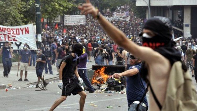 Les manifestants ont affronté les forces de l'ordre, protestant contre le plan d'austérité. (AFP / ARIS MESSINIS)