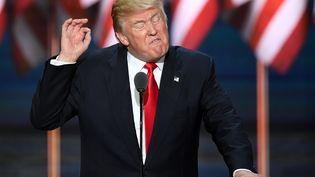 Le candidat républicain Donald Trump lors de la convention de son parti à Cleveland (Ohio, Etats-Unis), le 21 juillet 2016. (JIM WATSON / AFP)
