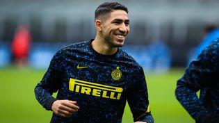 Achraf Hakimi (ici en janvier 2021) quitte l'Inter Milan pour s'engager avec le PSG. (FABRIZIO CARABELLI / DPPI / AFP)