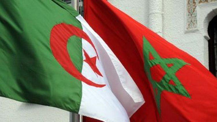 Drapeaux algérien et marocain. (FAROUK BATICHE / AFP)