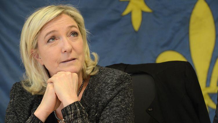 Le présidente du Front national, Marine Le Pen, en déplacement à Angers (Maine-et-Loire) pour les municipales, le 4 mars 2014. (MAXPPP)