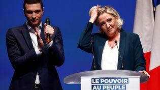 Jordan Bardella et Marine Le Pen lancent la campagne du Rassemblement national pour les élections européennes, le 13 janvier 2019 à Paris. (CHRISTIAN HARTMANN / REUTERS)