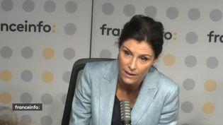 """Géraldine Muhlmann journaliste et politologue, présente """"President.e 2022"""" surYahoo Actualités. (CAPTURE D'ECRAN FRANCEINFO)"""