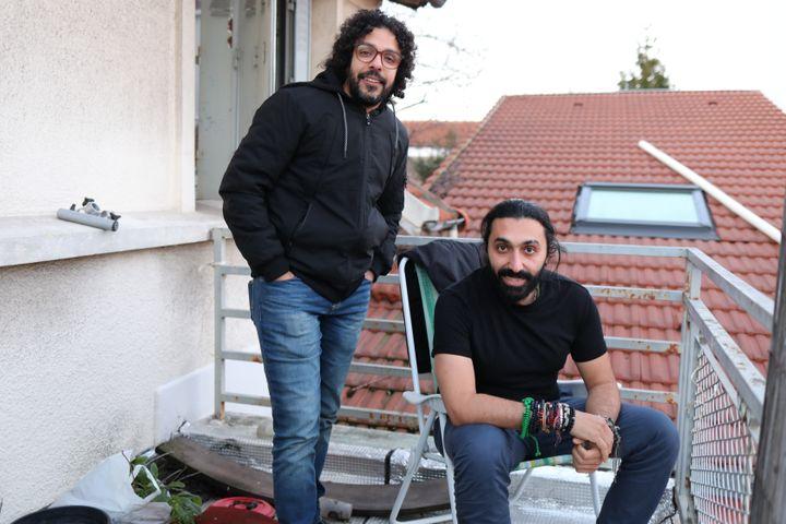 Mohamed et Ayman en région parisienne, le 25 janvier 2021. (ELISE LAMBERT / FRANCEINFO)