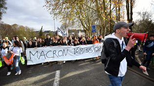 Une manifestation lycéenne en Eure-et-Loire, lundi 3 décembre. (QUENTIN REIX / MAXPPP)