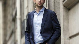 L'écrivain suisse Joël Dicker, auteur de La Vérité sur l'affaire Harry Quebert (Fallois), le 11 octobre 2012 à Paris. (PATRICK KOVARIK / AFP)