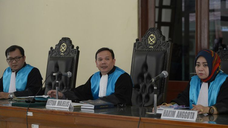 La cour de Jakarta (Indonésie) examine le recours de Serge Atlaoui, condamné à mort pour trafic de drogue, le 7 mai 2015. (ADEK BERRY / AFP)