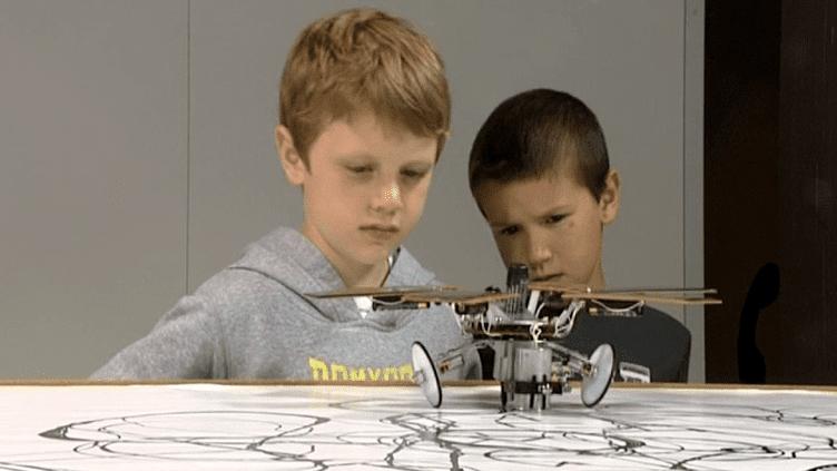 Le fascinant robot-peintre de Brive  (France3/culturebox)