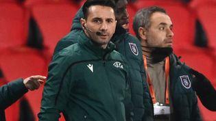 L'arbitre roumainSebastian Coltesculors du match PSG-IstanbulBasaksehir, le 8 décembre 2020, à Paris. (FRANCK FIFE / AFP)