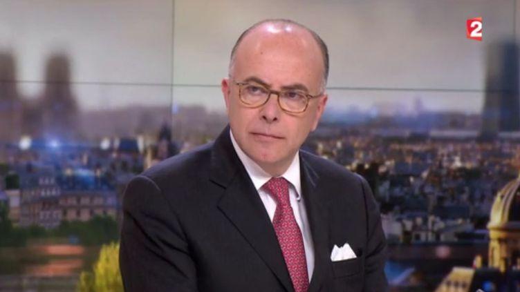 Capture d'acran du ministre de l'intérieur Bernard Cazeneuve sur France 2 le 13 mai 20116 (FRANCE 2)