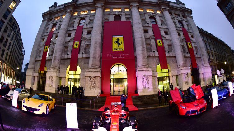 La bourse de Milan était aux couleurs de Ferrari (GIUSEPPE CACACE / AFP)