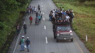 Des milliers de Honduriens traversent le Mexique pour tenter d'entrer aux États-Unis. (JOHAN ORDONEZ / AFP)