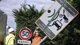 Le gouvernement a décidé de retirer les panneaux prévenant de la présence de radars automatiques. (AFP - Jeff Pachoud)