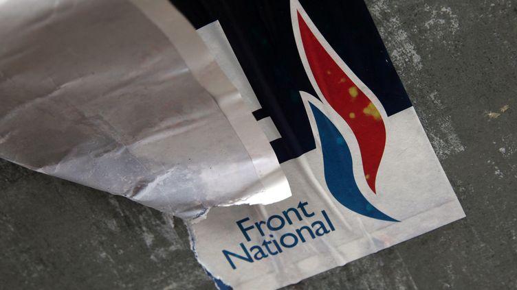 Une affiche du Front national pour les élections départementales, à Lille (Nord), le 29 mars 2015. (THIERRY THOREL / CITIZENSIDE / AFP)