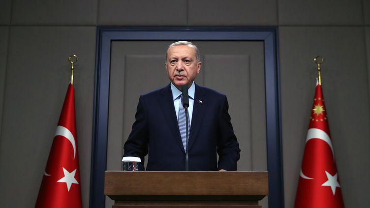 Le président turc Recep Tayyip Erdogan lors d'une conférence de presse, le 22 octobre 2019. (MURAT KULA / ANADOLU AGENCY / AFP)
