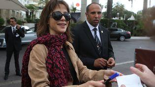 Sophie Marceau à la sortie de l'hôtel Martinez le dimanche 20 mai 2012. (LOIC VENANCE / AFP)