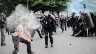 Une manifestation contre la loi Travail à Paris, le 26 mai 2016. (MAXPPP)