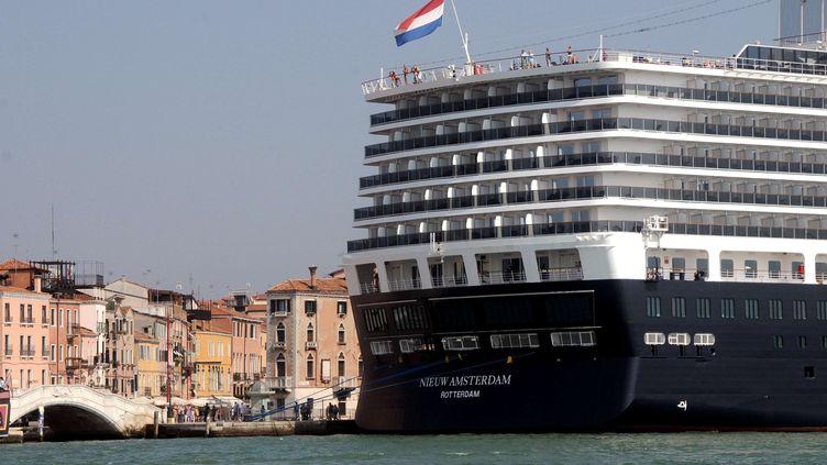 Paquebot amarré à Venise, 27 janvier 2012 (LUIGI COSTANTINI/AP/SIPA / AP)