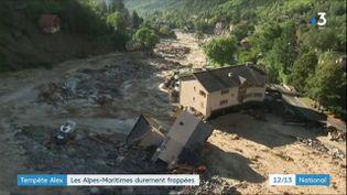 Des bâtiments emportés par un torrent de boue après le passage de la tempête Alex, le 3 octobre 2020. (FRANCE 3)