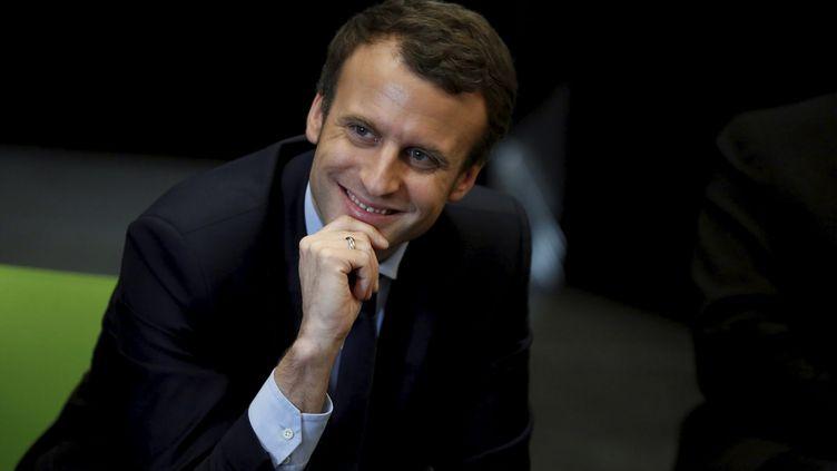 Le candidat à l'élection présidentielle, Emmanuel Macron, lors d'un déplacement aux Mureaux (Yvelines), le 7 mars 2017. (MAXPPP)