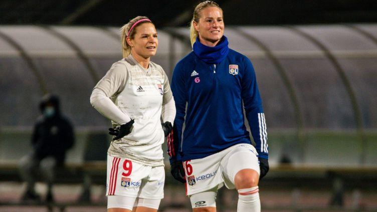 Eugénie Le Sommer et Amandine Henry en Ligue 1, le 22 janvier 2021 (MELANIE LAURENT / A2M SPORT CONSULTING)