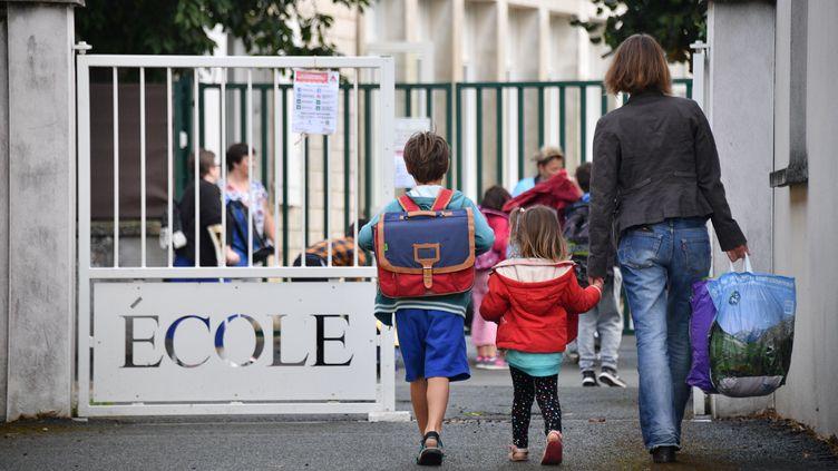 La rentrée des classe en primaire, le 4 septembre 2017, à La Rochelle (Charente-Maritime). (XAVIER LEOTY / AFP)