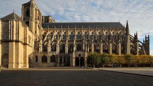 Les obsèques d'Arthur Noyer, le jeune militaire tué par Nordahl Lelandais, se dérouleront à la cathédrale Saint-Étienne de Bourges (ci-contre), vendredi 7 septembre. (MANUEL COHEN / MANUEL COHEN)