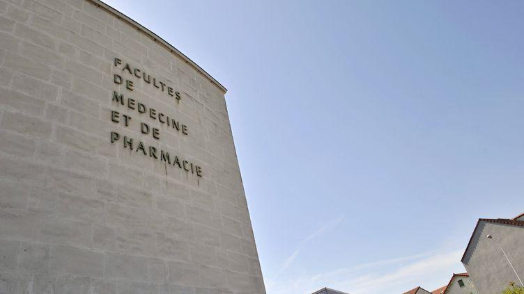 La Faculté de médecine et de pharmacie de l'Université de Clermont-Ferrand. (THIERRY ZOCCOLAN / AFP)