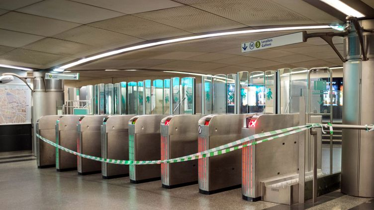 Dans une station de métro de la RATP, le 23 décembre 2019. (MAXPPP)